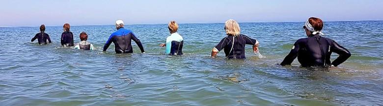 marche dans l'eau avec pagaie